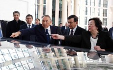 Sightseeing Astana jointly with Shavkat Mirziyoyev, the President of Uzbekistan